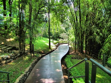 www.thai-dk.dk/penfoto/1/DSCF8144_2.jpg