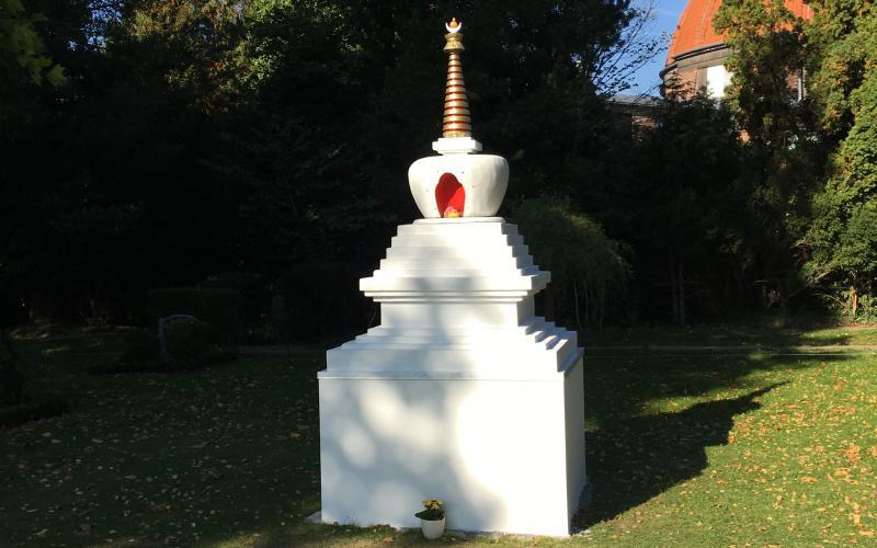 www.thai-dk.dk/uploads/stupa111.jpg