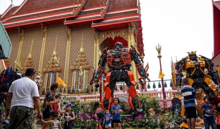 www.thai-dk.dk/uploads/temple-superheroes.jpg