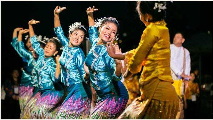 www.thai-dk.dk/uploads/Udklipthaidans.JPG