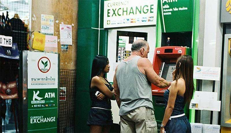 www.thai-dk.dk/uploads/expat-cash-machine.jpg