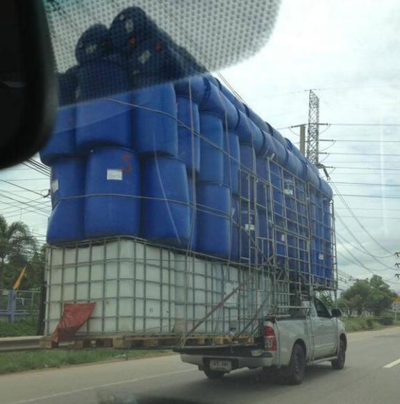 www.thai-dk.dk/uploads/overloaded-pickups-16.jpg